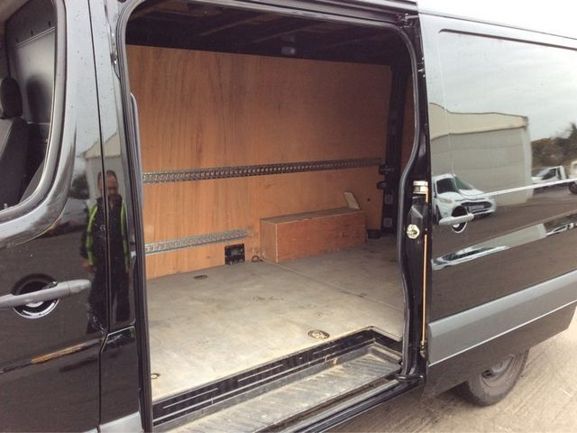 MERCEDES SPRINTER 313 CDI MWB LOW ROOF - 7001 - 9