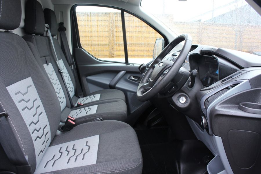 FORD TRANSIT CUSTOM 270 TDCI 125 L1 H1 LIMITED SWB LOW ROOF FWD - 7611 - 12