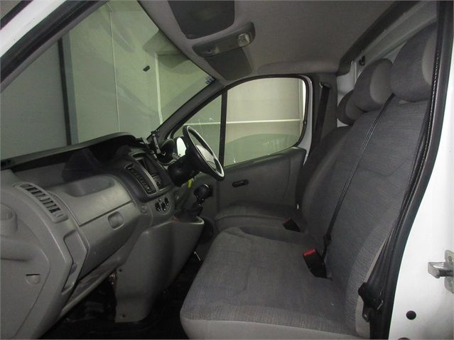 RENAULT TRAFIC LH29 DCI 115 LWB HIGH ROOF - 7432 - 12
