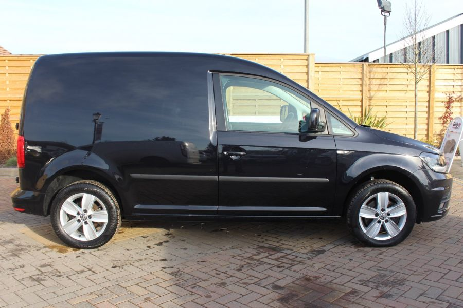 VOLKSWAGEN CADDY C20 TDI 150 HIGHLINE BLUEMOTION TECH DSG - 7222 - 4