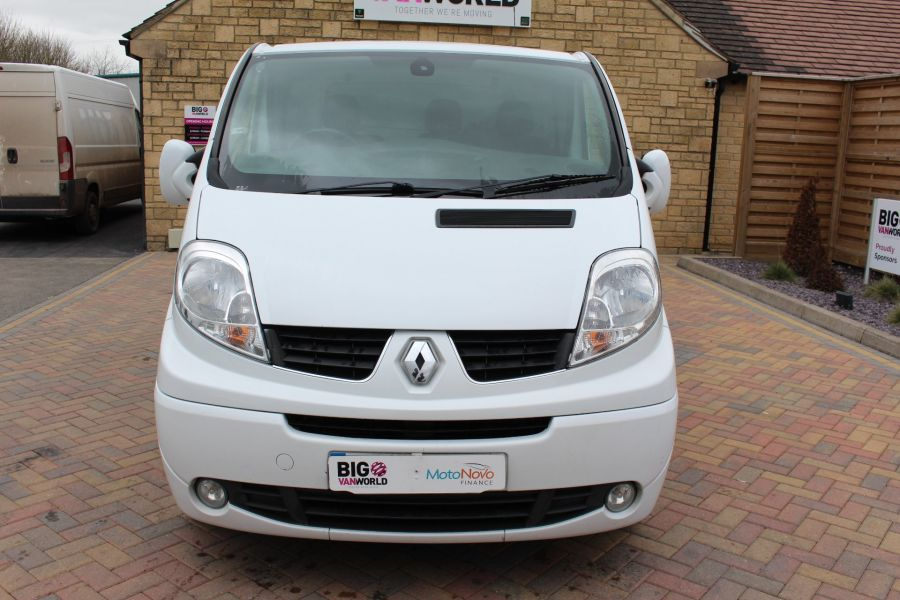 RENAULT TRAFIC SL27 DCI ECO2 115 SPORT QUICKSHIFT SWB LOW ROOF - 7484 - 9