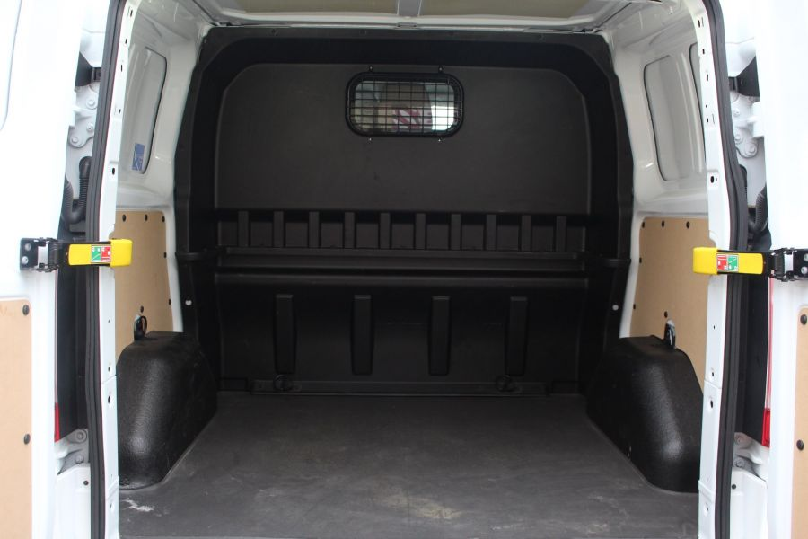 FORD TRANSIT CUSTOM 290 TDCI 155 L1 H1 LIMITED DOUBLE CAB 6 SEAT CREW VAN SWB LOW ROOF FWD - 6940 - 25