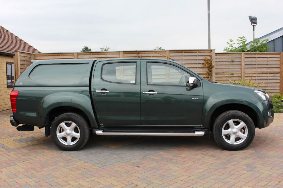 ISUZU D-MAX TD 163 YUKON VISION DOUBLE CAB WITH TRUCKMAN TOP - 9450 - 4