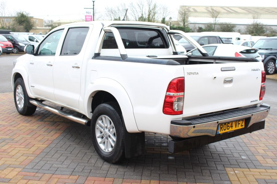 TOYOTA HI-LUX INVINCIBLE 4X4 D-4D 169 DOUBLE CAB WITH ROLL'N'LOCK TOP - 7307 - 7