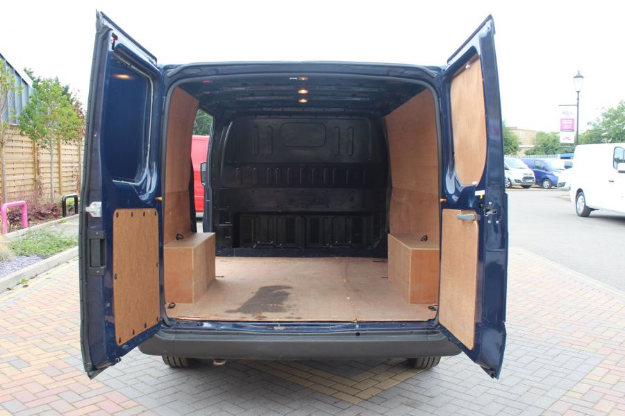 FORD TRANSIT 300 TDCI 125 SWB LOW ROOF FWD - 4530 - 19