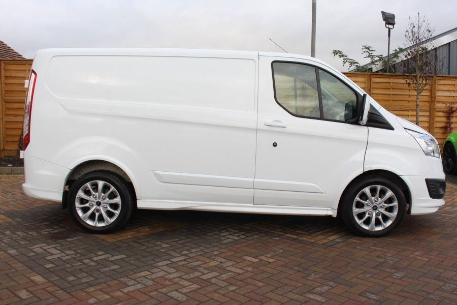 FORD TRANSIT CUSTOM 290 TDCI 155 L1 H1 SPORT SWB LOW ROOF FWD - 7036 - 4