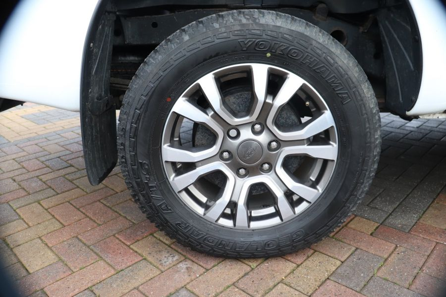 FORD RANGER WILDTRAK TDCI 200 4X4 DOUBLE CAB WITH ROLL'N'LOCK TOP - 8812 - 39