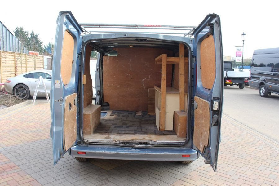 RENAULT TRAFIC SL27 DCI 115 SPORT SWB LOW ROOF - 7442 - 21