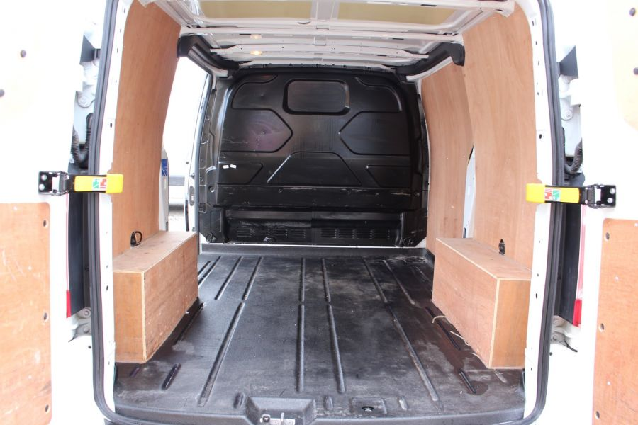 FORD TRANSIT CUSTOM 270 TDCI 125 L1 H1 LIMITED SWB LOW ROOF FWD - 7475 - 23