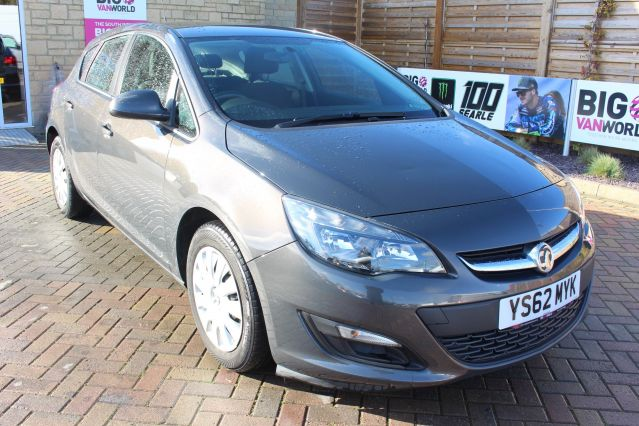 Used VAUXHALL ASTRA in Used Cars Swindon for sale