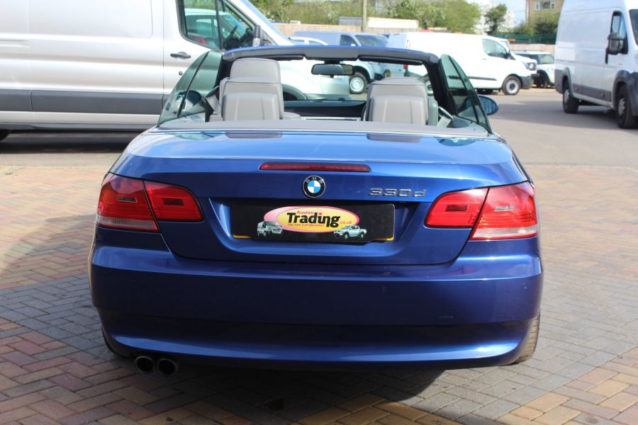 BMW 3 SERIES 330D SE AUTO CONVERTIBLE - 6042 - 13