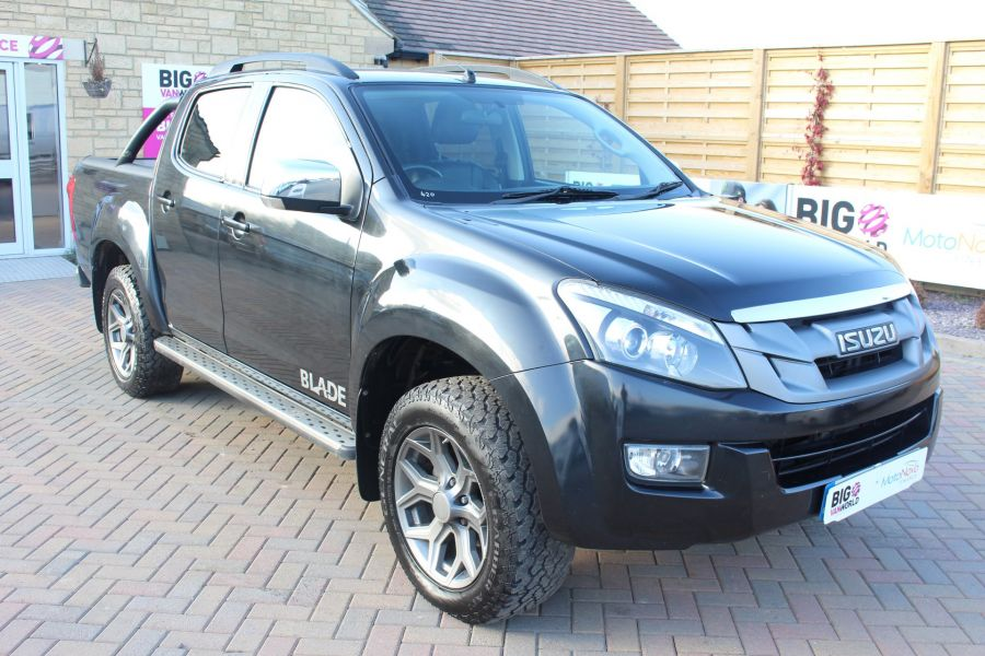 ISUZU D-MAX TD BLADE DOUBLE CAB 4X4 WITH ROLL AND LOCK TOP - 7242 - 3