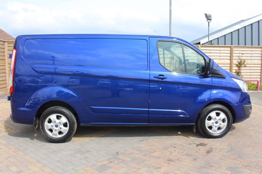 FORD TRANSIT CUSTOM 290 TDCI 125 L1 H1 LIMITED SWB LOW ROOF FWD - 9056 - 4