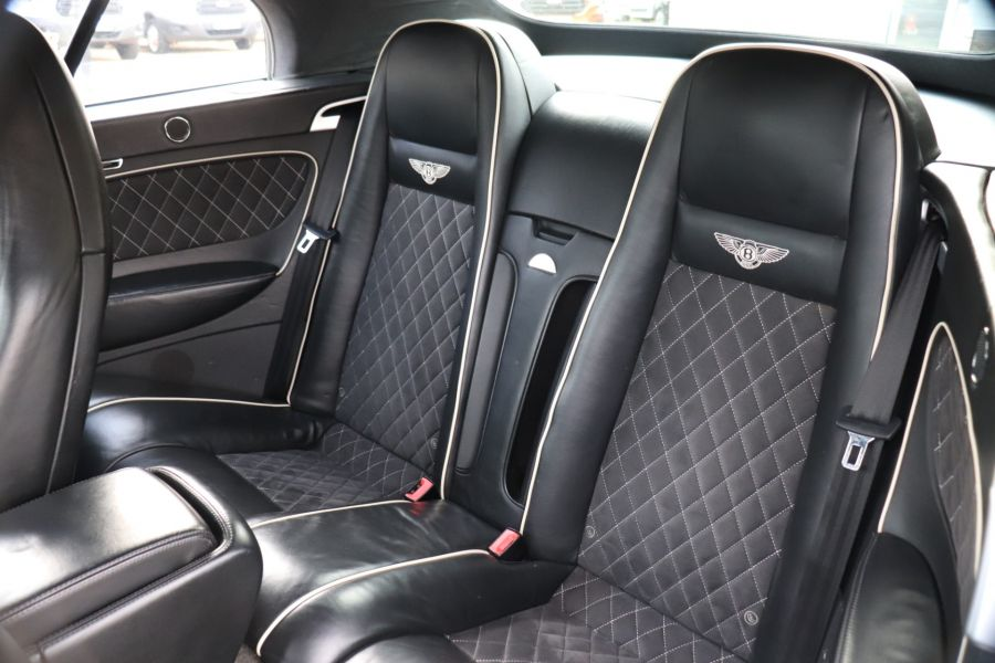 BENTLEY CONTINENTAL GTC SUPERSPORTS - 10504 - 56