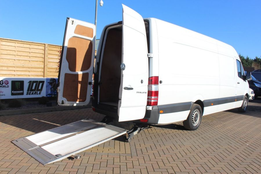 MERCEDES SPRINTER 319 CDI XLWB HIGH ROOF - 6971 - 24