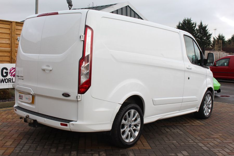 FORD TRANSIT CUSTOM 290 TDCI 155 L1 H1 SPORT SWB LOW ROOF FWD - 7036 - 5