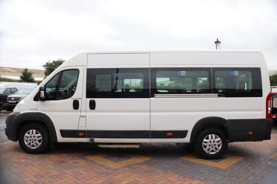 PEUGEOT BOXER 440 HDI 130 L4H2 17 SEAT BUS HIGH ROOF WITH WHEELCHAIR ACCESS - 9625 - 8