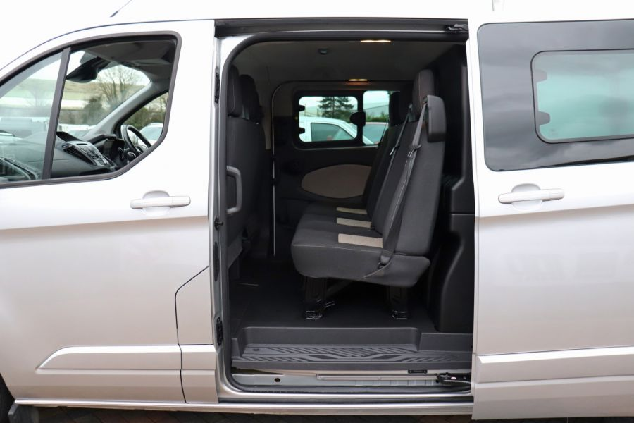 FORD TRANSIT CUSTOM 310 TDCI 130 L2H1 LIMITED DOUBLE CAB 6 SEAT CREW VAN  LWB LOW ROOF FWD  - 9968 - 35