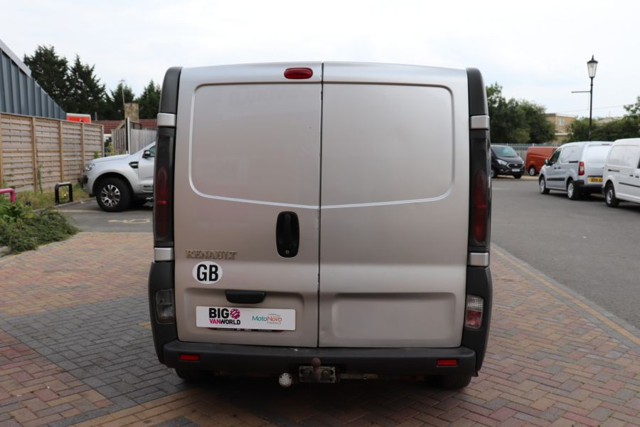 RENAULT TRAFIC LL29 DCI 100 LWB LOW ROOF - 9371 - 6