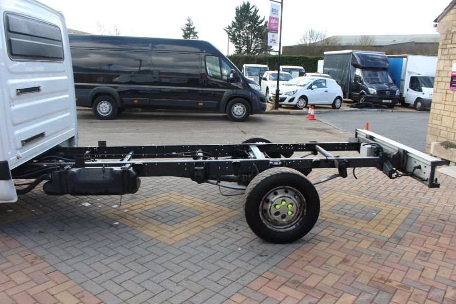 IVECO DAILY 35S11 3750 WB CHASSIS CAB - 7296 - 19