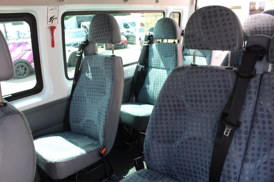 FORD TRANSIT 350 TDCI 135 LWB MEDIUM ROOF 14 SEAT BUS - 6413 - 20