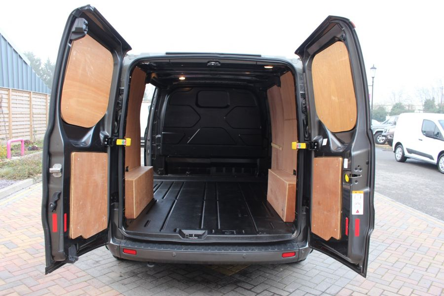 FORD TRANSIT CUSTOM 270 TDCI 125 L1 H1 LIMITED SWB LOW ROOF - 8050 - 21