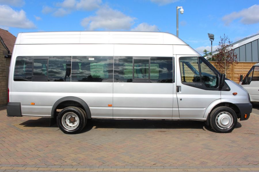 FORD TRANSIT 430 TDCI 135 LWB EL HIGH ROOF 17 SEATS BUS RWD - 6765 - 4