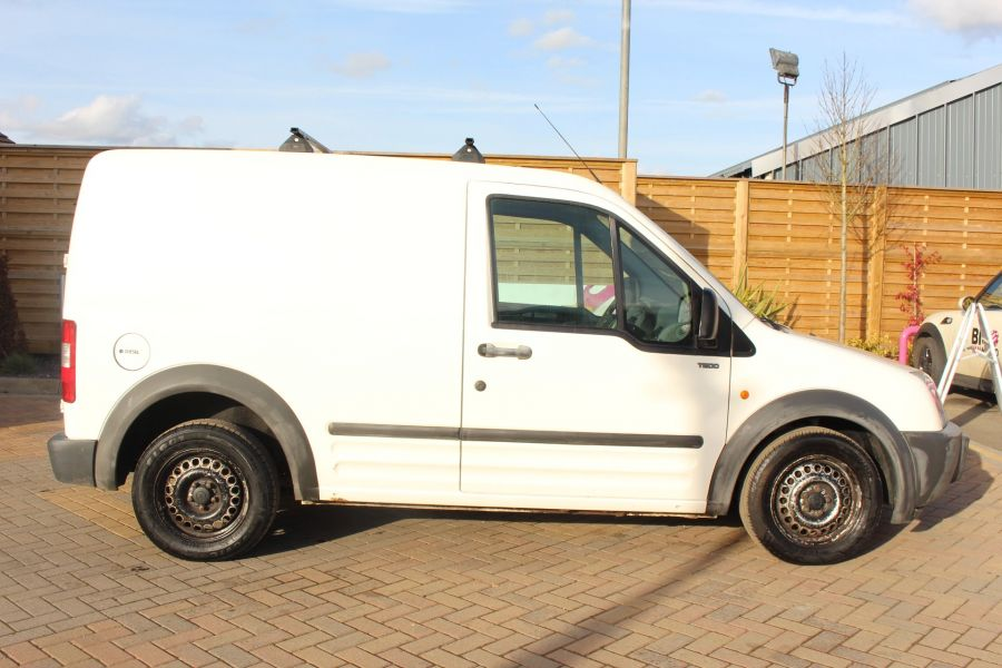 FORD TRANSIT CONNECT T200 TDDI 75 SWB - 7281 - 4