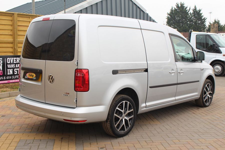 VOLKSWAGEN CADDY MAXI C20 TDI 150 HIGHLINE - 5880 - 3