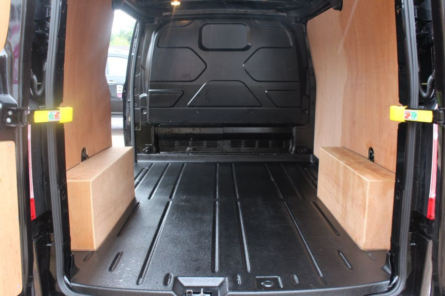 FORD TRANSIT CUSTOM 270 TDCI 125 L1 H1 LIMITED SWB LOW ROOF FWD - 7611 - 23