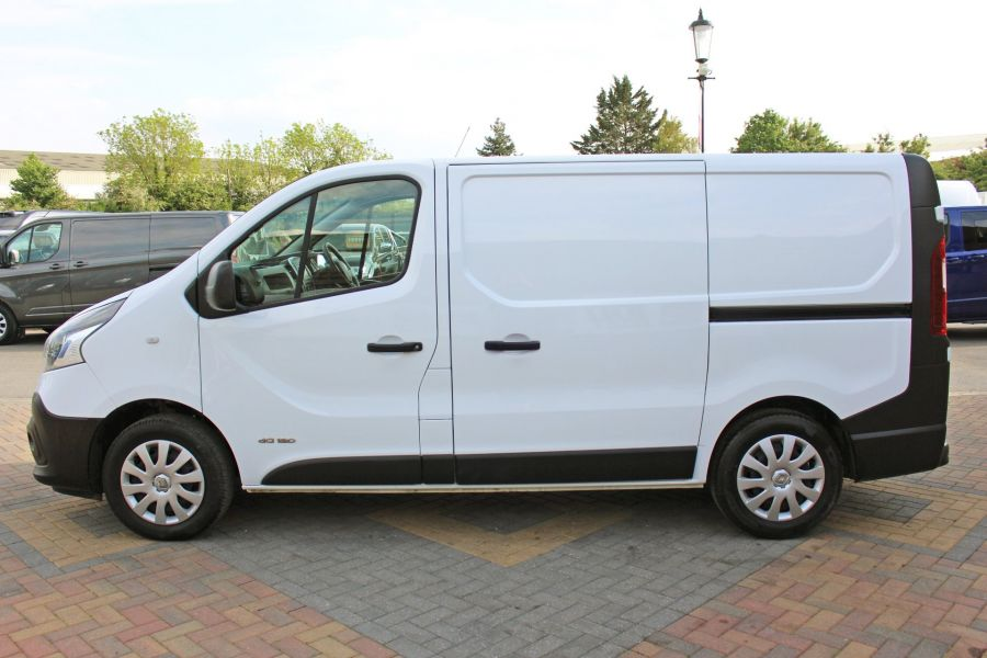 RENAULT TRAFIC SL27 DCI 120 BUSINESS ENERGY SWB LOW ROOF - 8861 - 8
