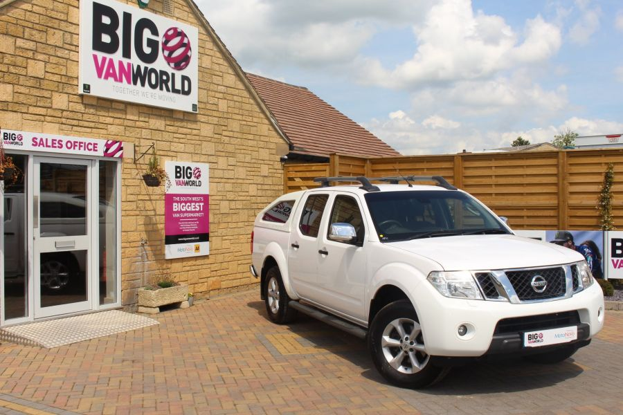 NISSAN NAVARA DCI 190 TEKNA CONNECT 4X4 DOUBLE CAB WITH SPORT TRUCKMAN TOP - 6296 - 1