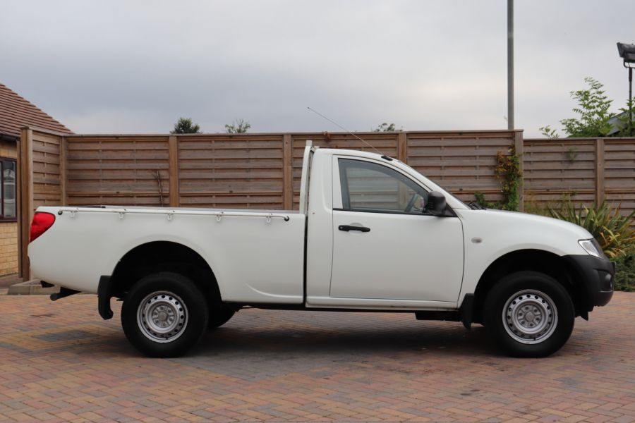 MITSUBISHI L200 DI-D 134 4X4 4LIFE SINGLE CAB - 9556 - 4