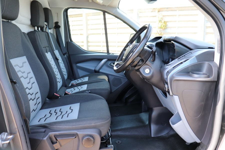 FORD TRANSIT CUSTOM 290 TDCI 125 L2 H1 LIMITED LWB LOW ROOF FWD - 9467 - 12
