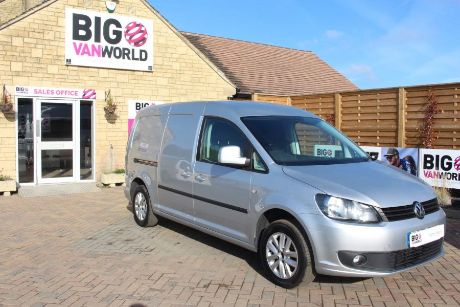 VOLKSWAGEN CADDY MAXI C20 TDI 102 HIGHLINE DSG - 6738 - 2