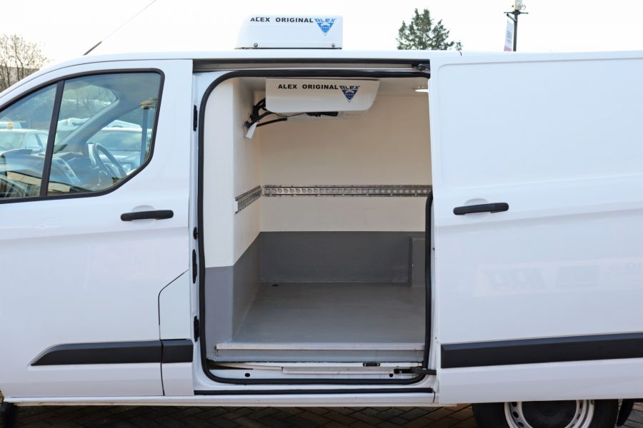 FORD TRANSIT CUSTOM 270 TDCI 105 L1H1 SWB LOW ROOF FRIDGE VAN WITH OVERNIGHT FWD - 11587 - 35