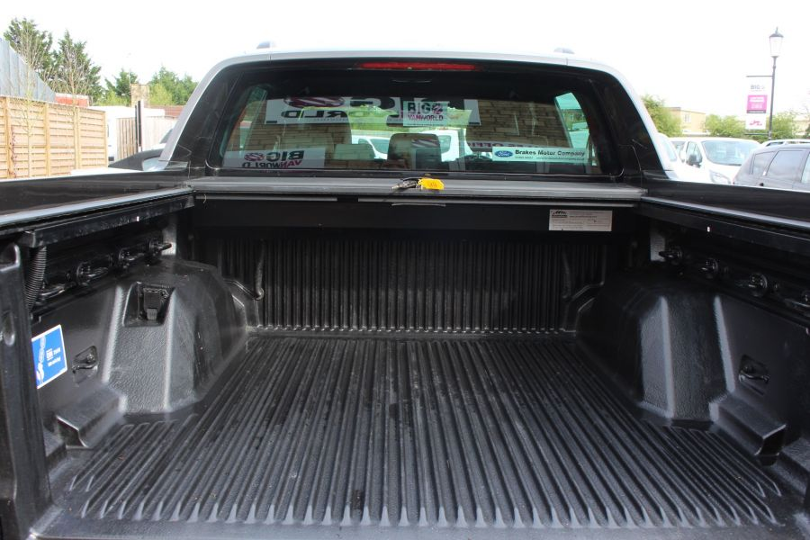 FORD RANGER WILDTRAK TDCI 197 4X4 DOUBLE CAB WITH ROLL'N'LOCK TOP - 7635 - 26