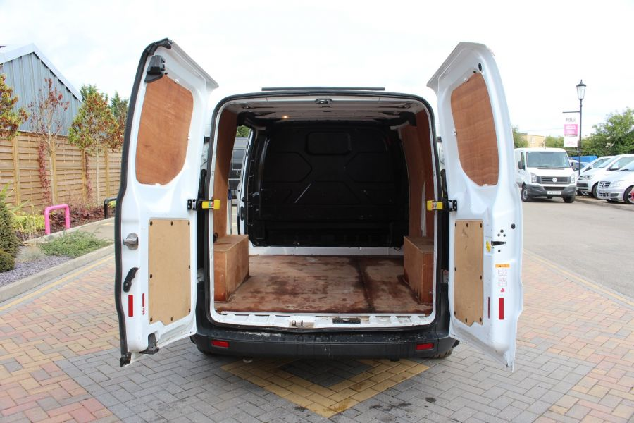 FORD TRANSIT CUSTOM 290 TDCI 125 L1 H1 SWB LOW ROOF FWD - 6562 - 17
