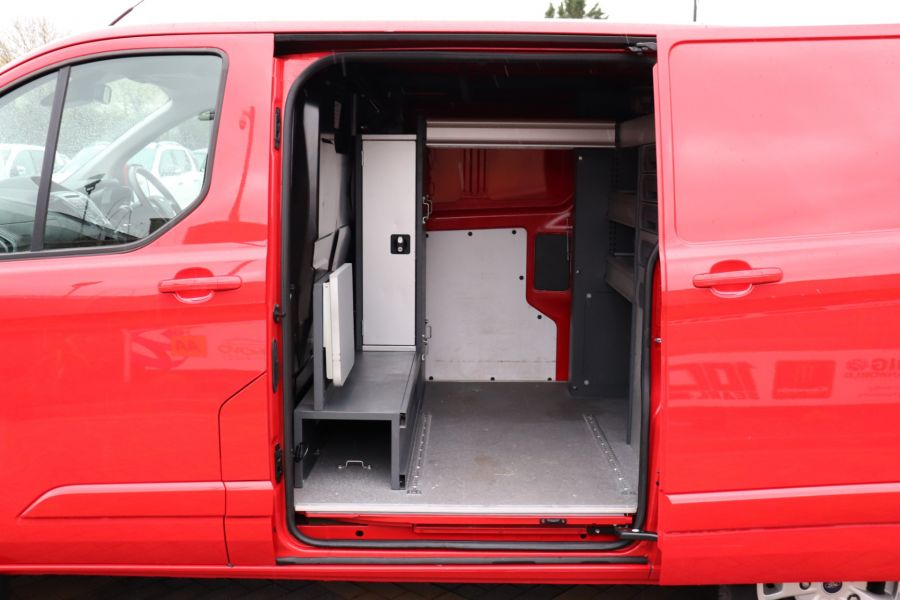 FORD TRANSIT CUSTOM 290 TDCI 125 L1H1 LIMITED SWB LOW ROOF FWD - 12045 - 36