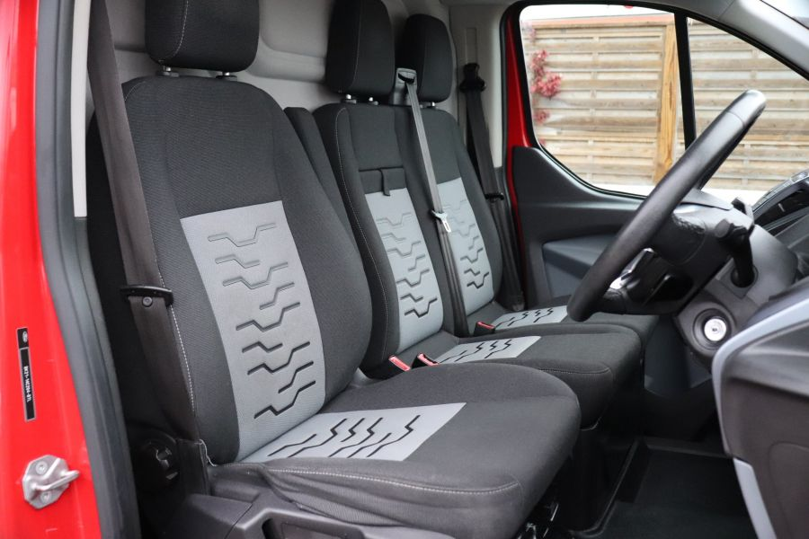 FORD TRANSIT CUSTOM 290 TDCI 125 L1H1 LIMITED SWB LOW ROOF FWD - 11904 - 15