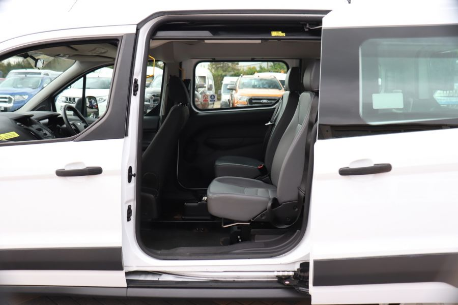 FORD GRAND TOURNEO CONNECT TDCI 95 COMBI VAN WITH WHEELCHAIR ACCESS - 11545 - 33