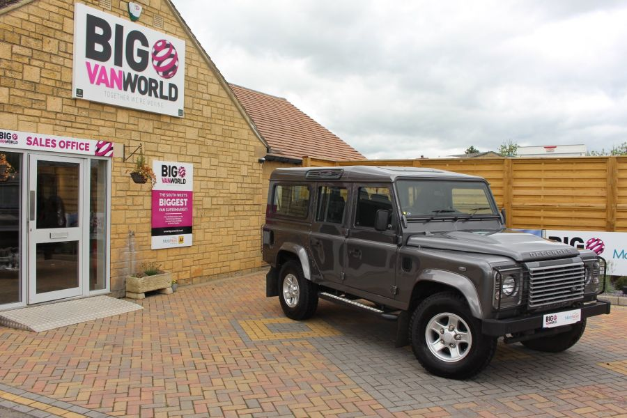 LAND ROVER DEFENDER 110 TD XS STATION WAGON 7 SEATER - 6197 - 1