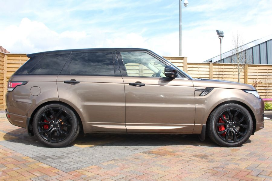 LAND ROVER RANGE ROVER SPORT SDV6 AUTOBIOGRAPHY DYNAMIC - 6603 - 4
