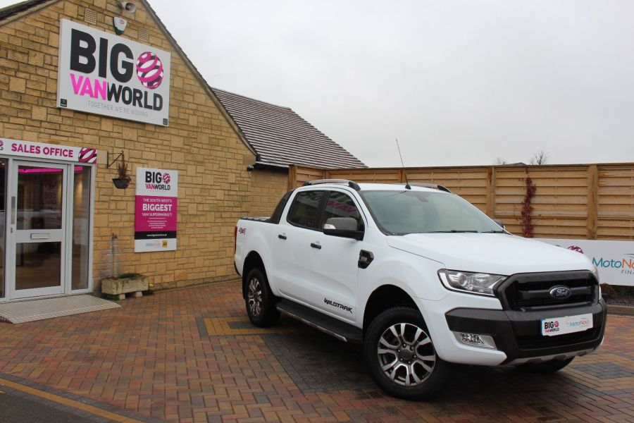 FORD RANGER WILDTRAK TDCI 200 4X4 DOUBLE CAB WITH ROLL'N'LOCK TOP - 7576 - 2