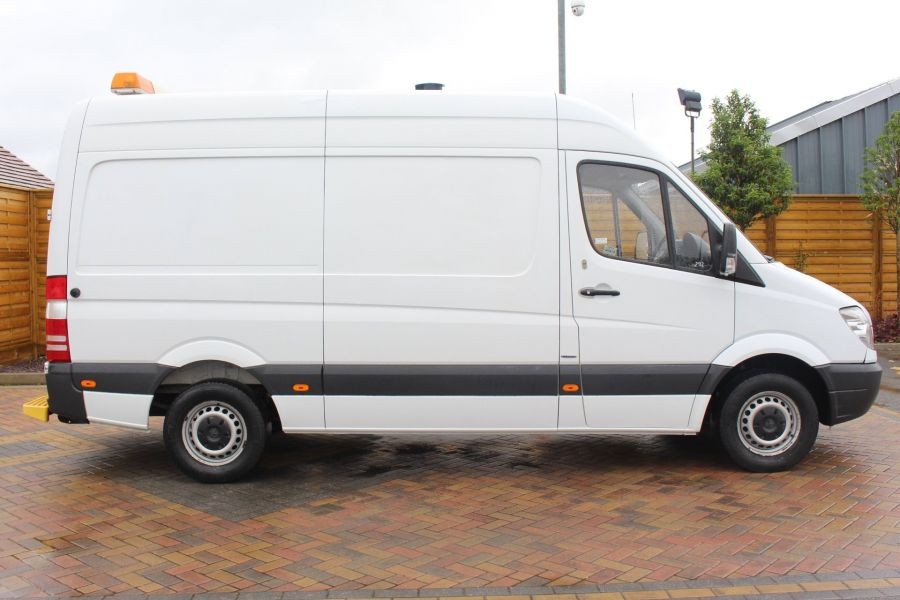 MERCEDES SPRINTER 316 CDI MWB HIGH ROOF - 6253 - 4