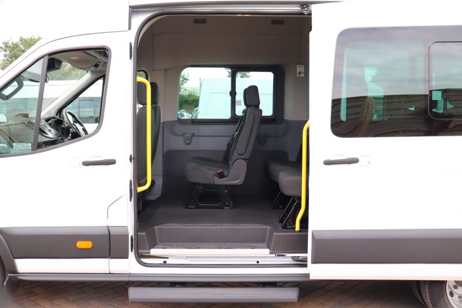 FORD TRANSIT 460 TDCI 155 L4H3 TREND 17 SEAT BUS HIGH ROOF DRW RWD - 9767 - 35