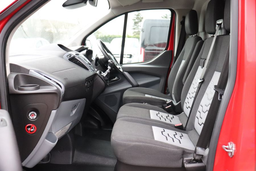 FORD TRANSIT CUSTOM 290 TDCI 125 L1H1 LIMITED SWB LOW ROOF FWD - 11904 - 37