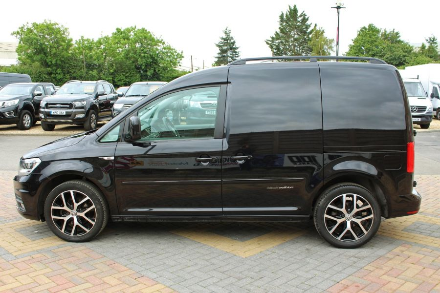 VOLKSWAGEN CADDY C20 TDI 102 BLACK EDITION - 9301 - 8