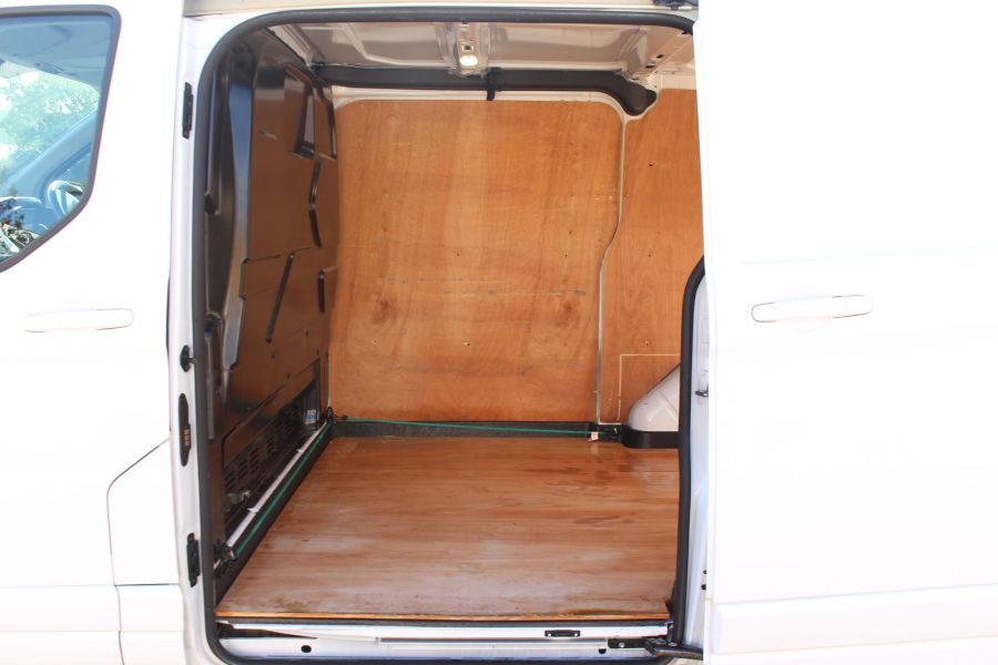 FORD TRANSIT CUSTOM 270 TDCI 125 L1 H1 LIMITED SWB LOW ROOF FWD - 6799 - 22