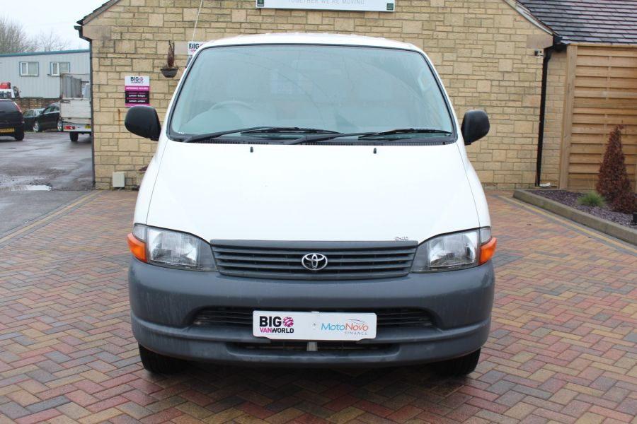 TOYOTA HI-ACE 280 GS SWB LOW ROOF - 7407 - 9